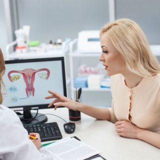 poradnia ginekologiczna kiedy się do niej zgłosić